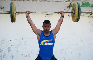 Gustavo Maldonado, pesista de 21 años, es una de las cartas fuertes del Atlántico para Juegos Nacionales.