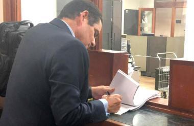 Germán Vargas Lleras cuando presentaba la demanda ante el Alto Tribunal.