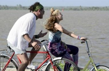 Carlos Vives y Shakira en el rodaje del video de 'La Bicicleta' en Barranquilla.