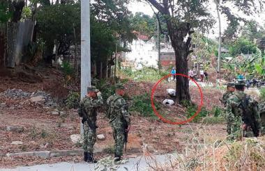 El cuerpo de Diego Mangones fue hallado en el interior de un saco en un lote del casco urbano del municipio de La Apartada.