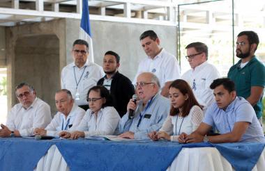 Miembros de la oposición.