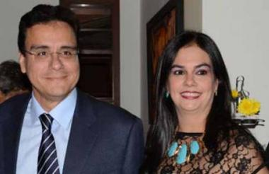 Ramsés Vargas Lamadrid y su esposa  María Elena Hernández Barros.