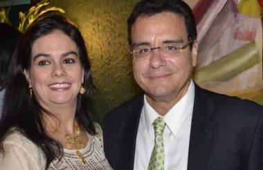 María Elena Hernández y Ramsés Vargas Lamadrid.