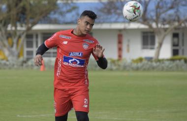 La novedad de Junior sería la presencia de Jefferson Gómez (foto) en lugar de Hómer Martínez o Alberto Haydar.