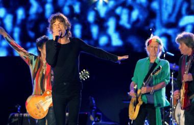 Jagger, que tiene ocho hijos, cinco nietos y una bisnieta, es conocido por mantener elevados niveles de energía en el escenario a pesar de sus siete décadas.