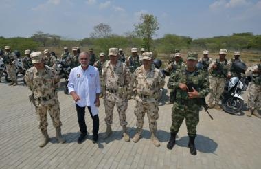 Eduardo Verano, Gobernador del Atlántico en la nueva Base militar de Suan.