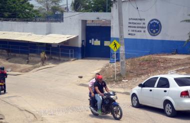Entrada de cárcel La Vega en Sincelejo.