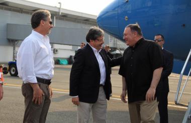Pompeo fue recibido por el canciller colombiano, Carlos Holmes Trujillo.
