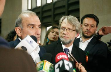 Antanas Mockus y Humberto De la Calle.