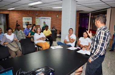 Aspecto de la reunión del Comité Apicola de Sucre.