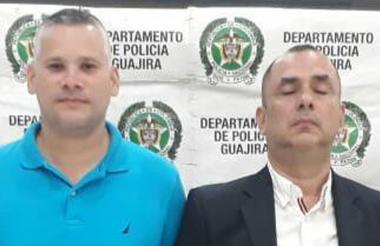 Los funcionarios capturados.