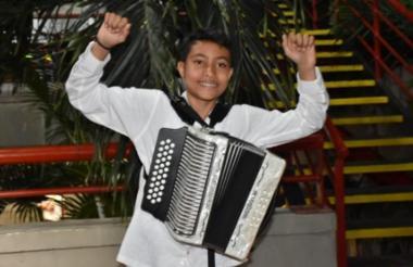 Sergio Luis Moreno Fragozo, rey juvenil del festival.
