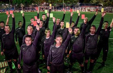Veinte hombres hacen parte de la Escuela de Árbitros de Fútbol del Corregimiento La Playa.