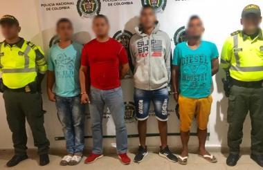 Los cuatro capturados por la Policía del Atlántico.