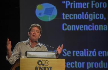 El presidente de la Andi, Bruce Mac Master.