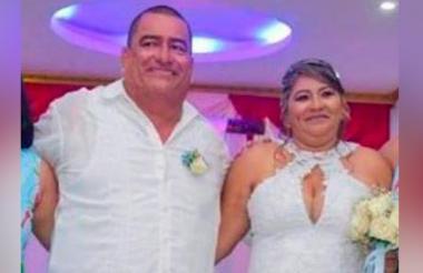 La pareja en una foto familiar.