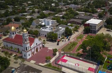 Foto aérea de la nueva plaza de Santo Tomás que construyó la Gobernación del Atlántico.