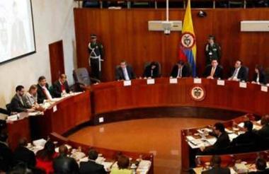Magistrados de la Corte Constitucional, tribunal que denunció ante la Fiscalía de las posibles chuzadas.