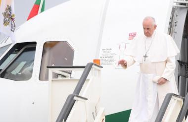 El papa llega a Bulgaria.