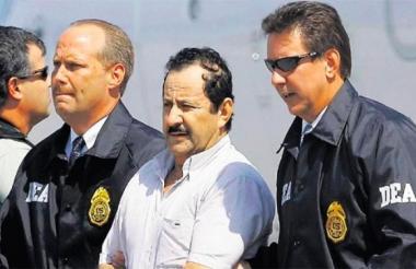 El exjefe paramilitar Hernán Giraldo, en el momento de la captura, realizada por agentes de la DEA.