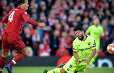 Luis Suárez se lesiona en el juego anterior ante el Liverpool.