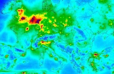 Esta imagen muestra los niveles de monóxido y nitrógeno en parte de Europa captados por el satélite Sentinel P5 del programa Copernico de la ESA.