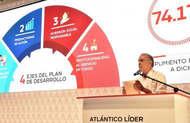 El gobernador del Atlántico, Eduardo Verano, explica los avances del plan.
