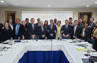 Miembros del Directorio Nacional Conservador durante la sesión.