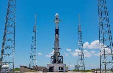 Falcon 9 listo para el segundo lanzamiento.