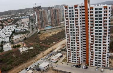 La vía de cuarta generación pasaría por esta zona residencial.