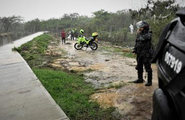 El cuerpo de la menor fue hallado en un sector contiguo a la canalización de un arroyo de la urbanización Caribe Verde.