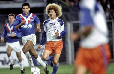 Carlos 'el Pibe' Valderama con la camiseta del Montpelllier.