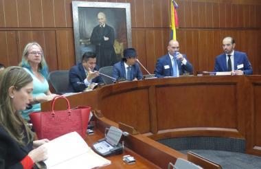 Comisión sexta senado, debate Cormagdalena.