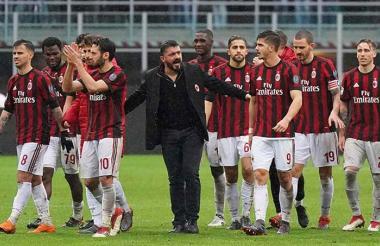 Gattuso junto a su exequipo en un partido de la Serie A.