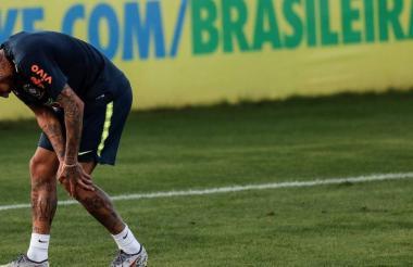 Neymar, lesionado con Brasil.