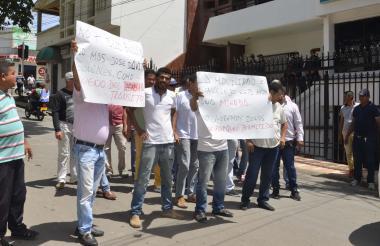 Taxistas protestando.