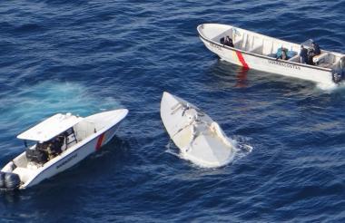 Los capturados transportaron 823 kilos de cocaína en un minisubmarino interceptado por militares en aguas del océano Pacífico.