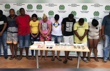 Los diez presuntos expendedores de droga capturados.