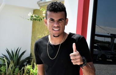 Luis Díaz posa feliz por ser parte de la Selección Colombia que jugará la Copa América de Brasil.
