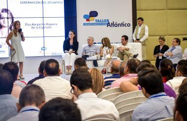 La candidata a la gobernación del Atlántico Elsa Noguera, durante la oficialización del apoyo del CD.