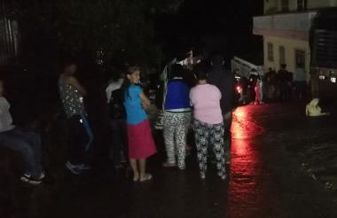La comunidad de Palmor permanecía en alerta en la noche de este viernes ante una posible creciente.