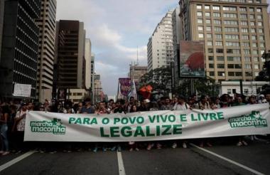 Marcha en el centro de Sao Pablo por despenalización de marihuana para consumo personal.