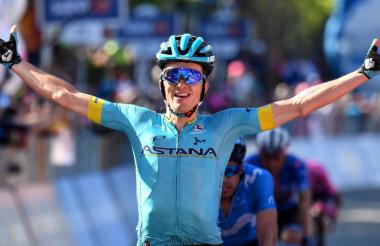 Pello Bilbao celebrando el triunfo de la etapa de este sábado.