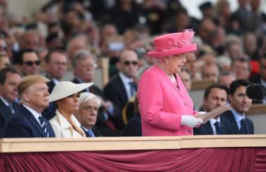 La Reina Isabel II durante la ceremonia.
