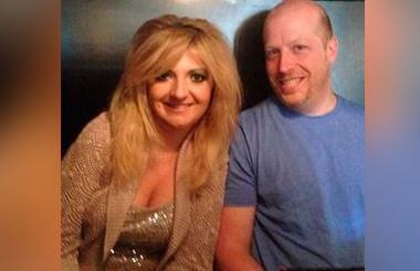 Miranda Lynn Schaup Werner junto a su esposo Daniel Frank Werner.