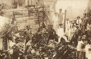 Patio de la familia Glen, calle 40 con carrera 41, donde se estrelló el avión Tolima A -16 (1924), en el que murieron Cortissoz y cinco tripulantes alemanes.