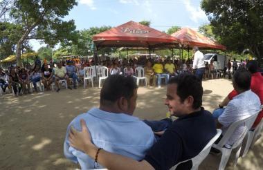 Meisel escucha candidatos en Malambo.