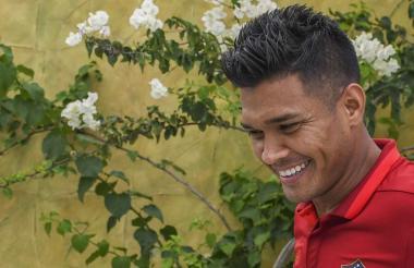Teófilo Gutiérrez al final de la práctica de Junior en la sede de Sabanilla.