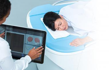 La detección del cáncer se realiza a través de un ultrasonido e imágenes en 3D.