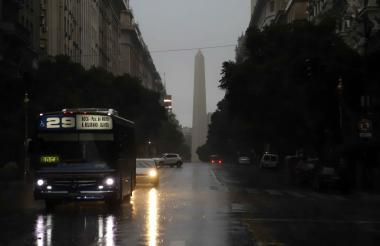 Vista del centro de la ciudad de Buenos Aires, Argentina, durante el apagón.